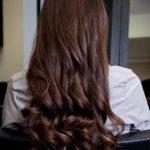 257 Прическа на бок для длинных волос