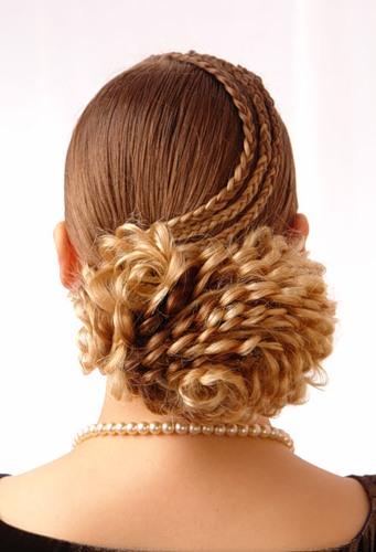 1373 Плетение ажурных кос