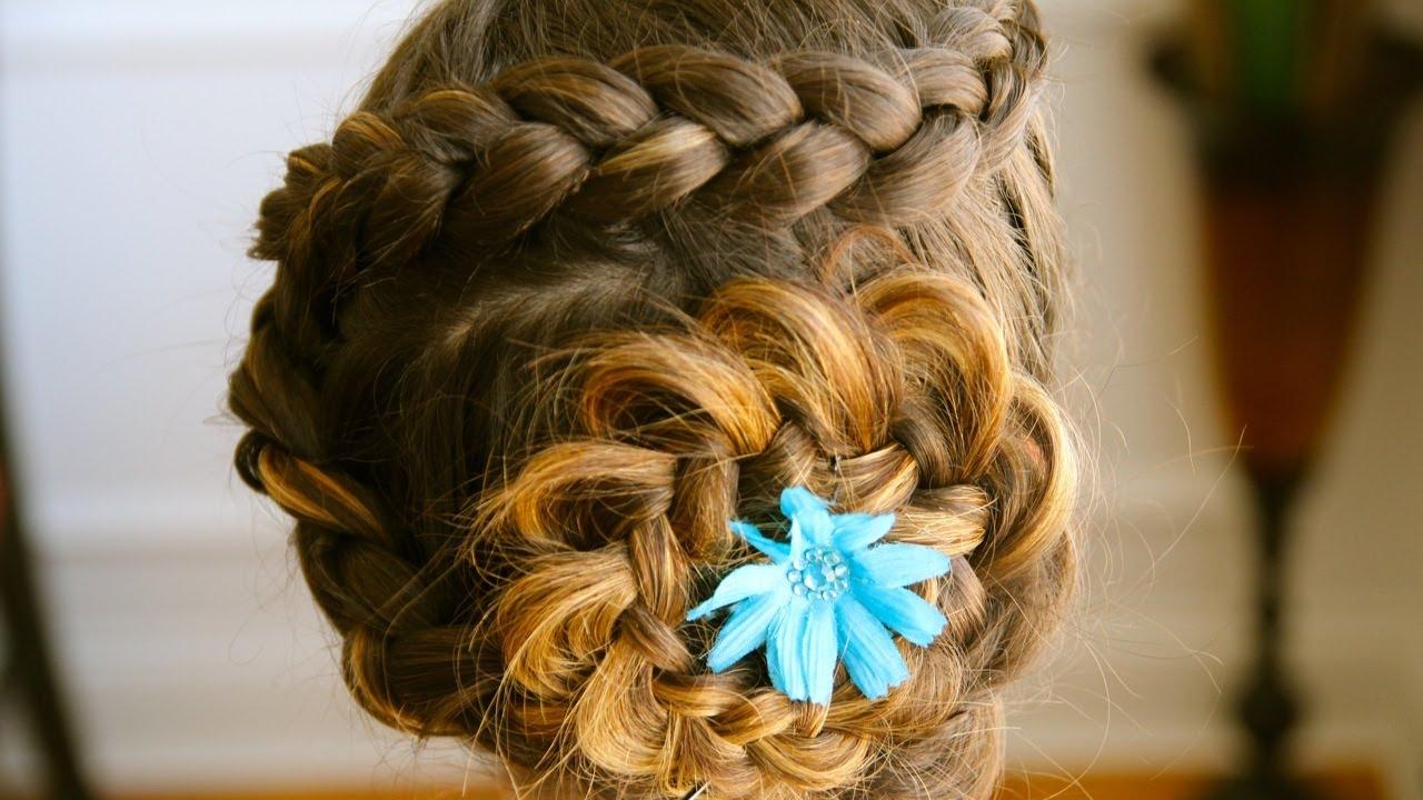 1379 Ажурная коса с цветком