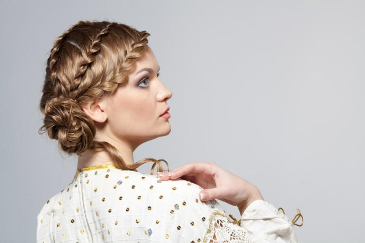 1859 Греческие косы на средние волосы