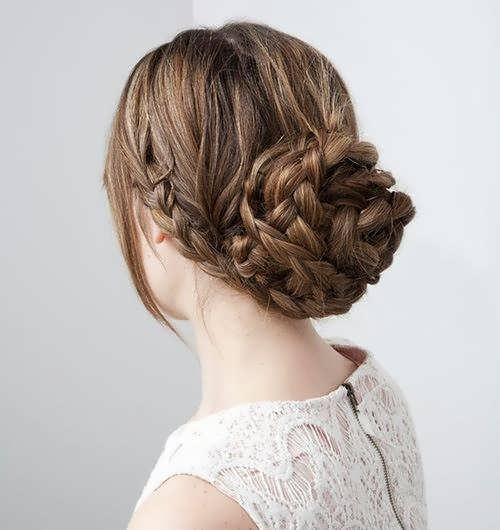 Легкая прическа на длинные густые волосы