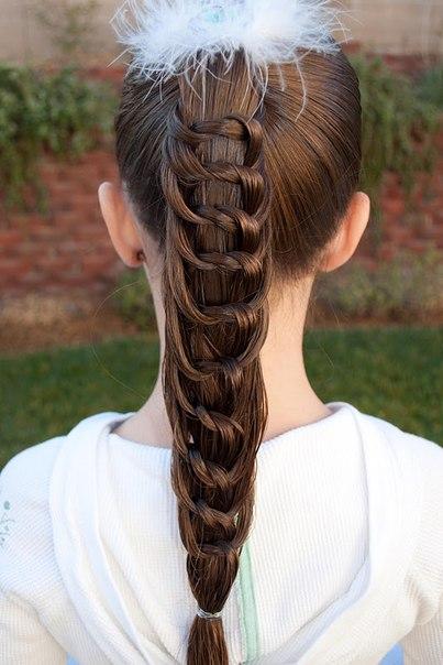 5618 Прическа для девочки «необычный хвост из узелков»