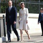 6031 Образ дня: Кейт Миддлтон отметила Пасху в кремовом пальто от Catherine Walker