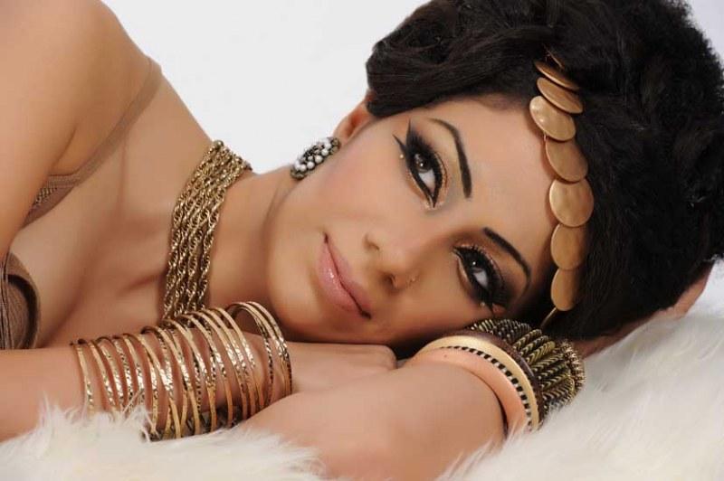 6110 Эффектный макияж из арабской сказки