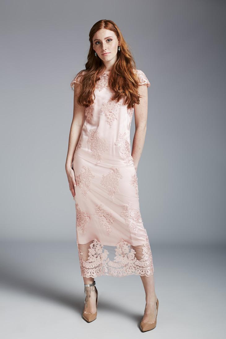 6103 Выпускной на носу: Андре Тан представил линейку стильных вечерних платьев и костюмов