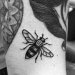 6154 Новый тату-тренд: пчелы как символ силы и единства