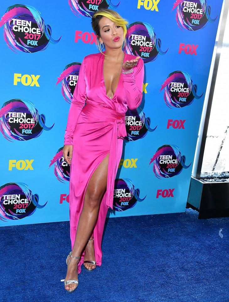 6361 Образ дня: Рита Ора в платье Alexandre Vauthier на церемонии Teen Choice Awards 2017