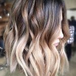 6472 Пробуй: 10 модных причесок на осень для длинных волос