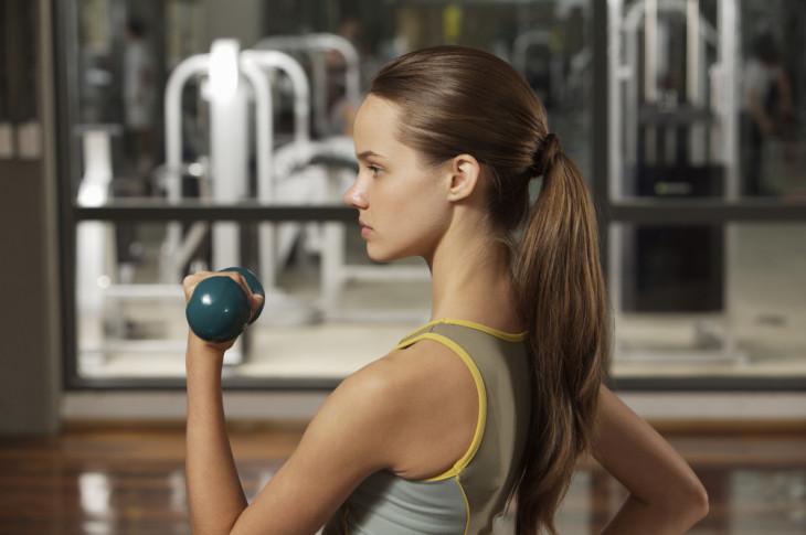 3 эффективных упражнения для красивых плеч