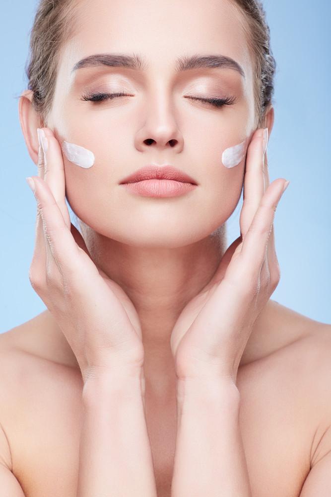 7448 Как сузить поры на лице: лучшие средства для ухода и макияжа