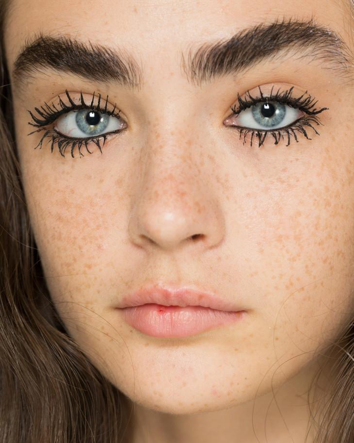 7293 Natural beauty: главные правила макияжа для девушек с веснушками