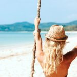 7995 Снимаем шляпу: правила ухода за окрашенными волосами летом