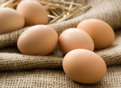 8018 Моем голову куриным яйцом
