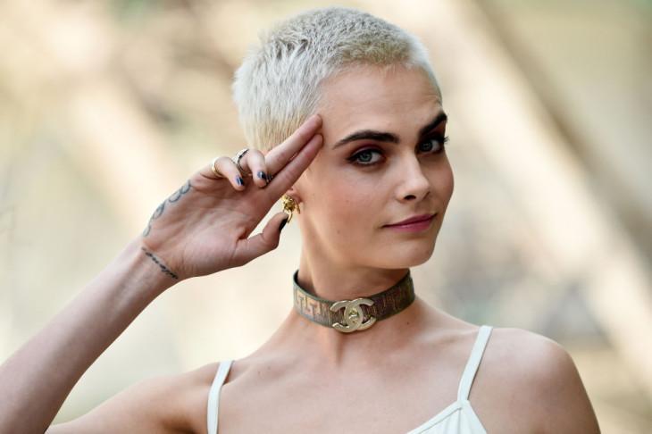 8026 Никакой желтизны: зачем блондинкам фиолетовые шампуни и как их использовать