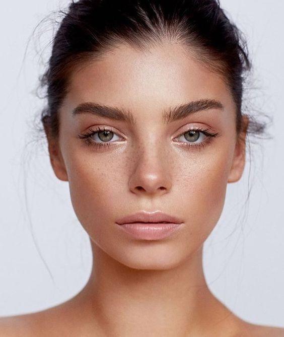 8163 Скорая помощь: топ-7 лайфхаков макияжа, которые замаскируют следы недосыпа