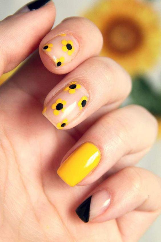 Лето, остановись! 33 идеи желтого маникюра для твоего настроения