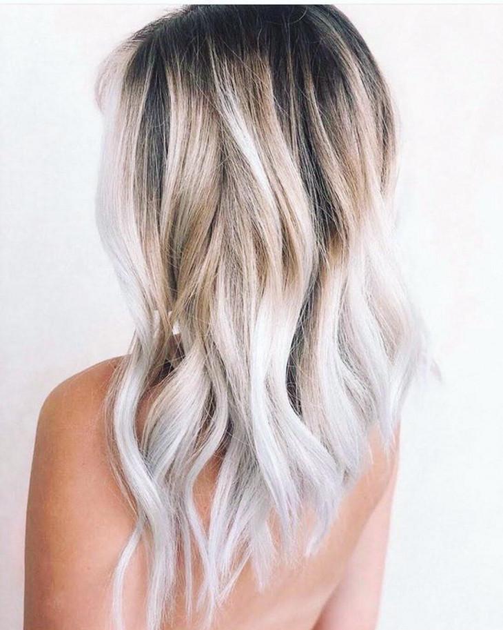 8482 Жареный кокос: трендовый цвет волос этой осени, который тебе понравится