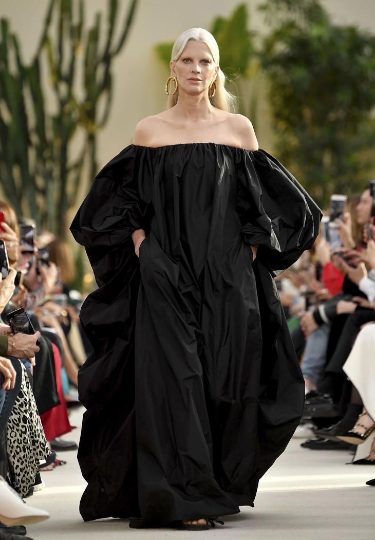 Роскошная простота: новая коллекция Valentino SS`19