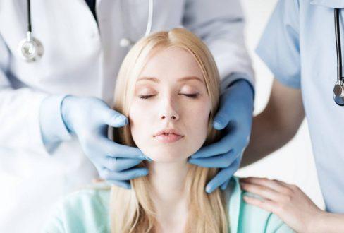 Треугольник молодости: 5 способов замедлить старение лица – советует косметолог