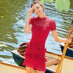 9979 Красное платье с кружевными оборками