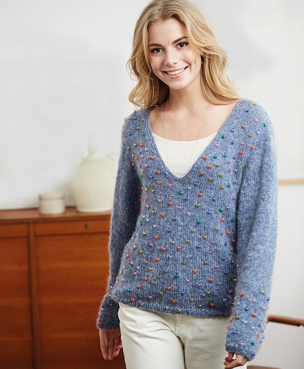 10192 Пуловер с бусинами