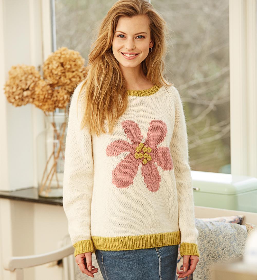10383 Джемпер с крупным цветком