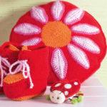 10807 Круглая подушка с цветком