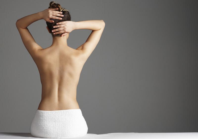 10921 Акне на спине: 5 причин несовершенств и способы их устранения