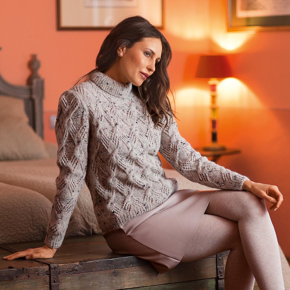11255 Женственный свитер с воротником гольф