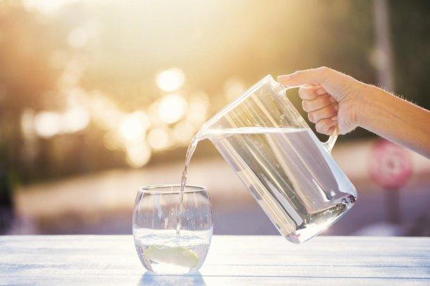 11598 Игра в бутылочку: как приучить себя выпивать два литра воды в день