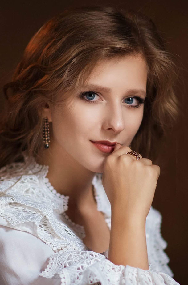 """Лиза Арзамасова о первой встрече с Ильей Авербухом, """"неожиданной"""" свадьбе и новых проектах"""