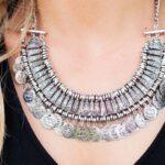 17232 Каким знакам Зодиака нельзя носить серебро?